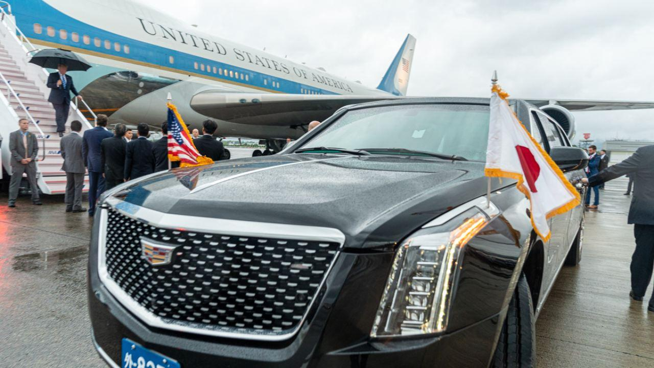 President Donald J. Trump disembarks Air Force One, Thursday, June 27, 2019, upon his arrival to Osaka International Airport, to attend the G20 Summit in Osaka, Japan. (Official White House Photo by Shealah Craighead)