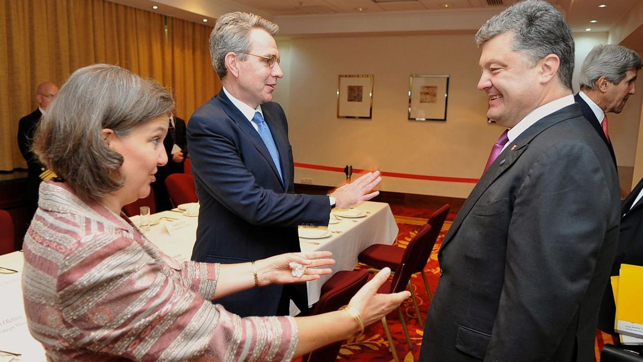 Then Assistant Secretary Nuland, Ambassador Pyatt Greet Former Ukrainian President-elect Poroshenko, before he met with U.S. Secretary of State John Kerry in Warsaw, Poland, on June 4, 2014. [State Department photo/Public Domain]
