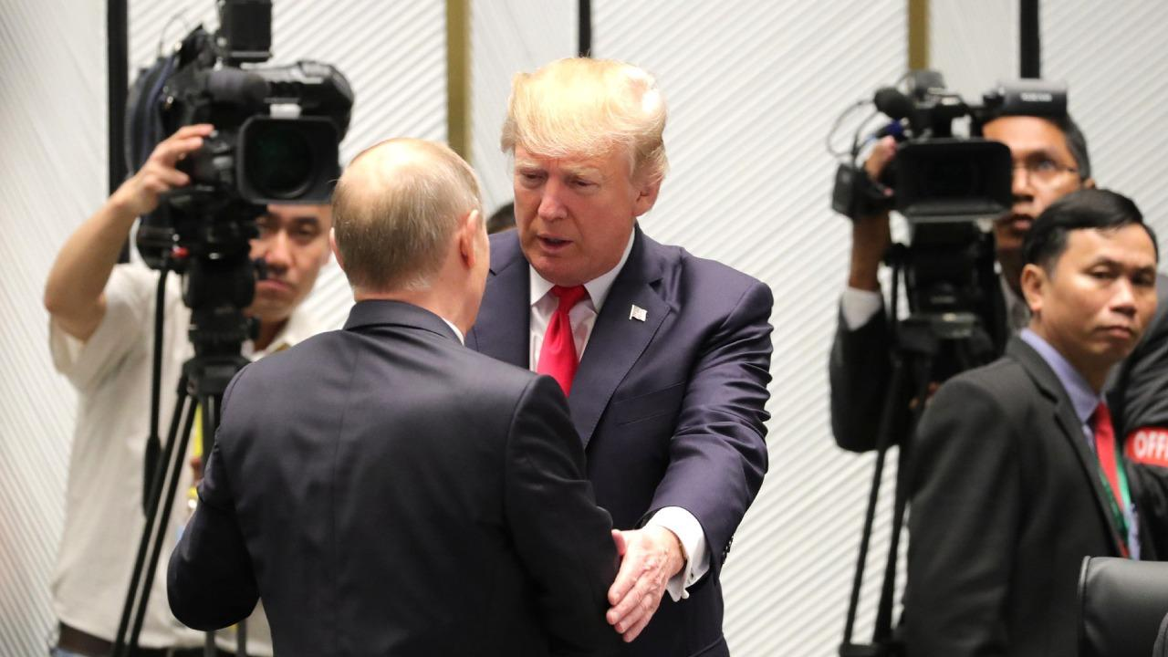 On the sidelines of the 25th APEC Economic Leaders' Meeting. With President of the United States Donald Trump, and Russian President Vladimir Putin.