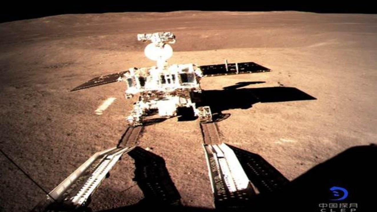 China's Chang'e-4 lunar rover lands on moon's far side, sends back images, Jan. 3, 2019 (Image: China National Space Administration)