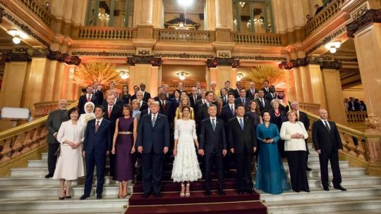 """President Donald J. Trump and First Lady Melania Trump pose for the G20 """"Family Photo"""" with fellow G20 leaders and their spouses Friday evening, Nov. 30, 2018, at the Teatro Colon in Buenos Aires, Argentina. (Official White House Photo by Andrea Hanks)"""