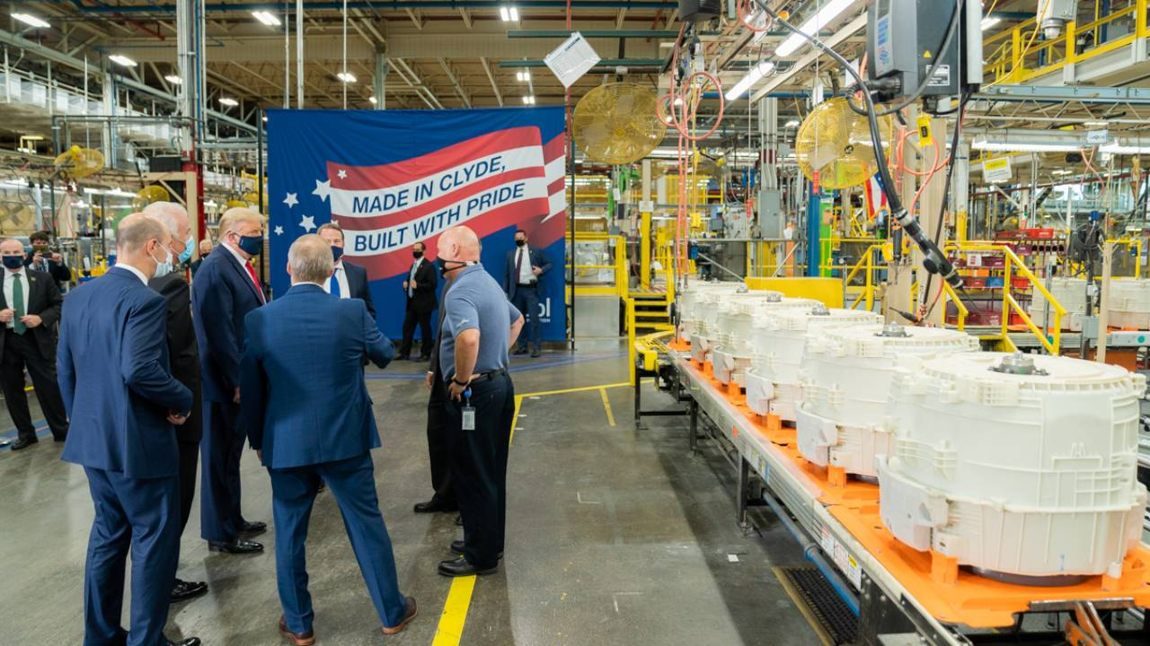 President Trump participates in a tour with VP of Whirlpool's Integrated Supply Chain and Quality Jim Keppler and talks to employees, August 6, 2020, at the Whirlpool Corp. Manufacturing Plant in Clyde, Ohio. (Official WH Photo by Shealah Craighead)