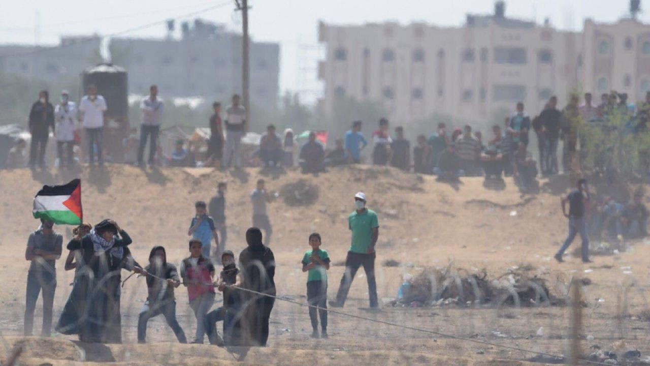 Gazan protestors at Gaza-Israel barrier on May 11, 2018. (IDF Spokesperson Unit)