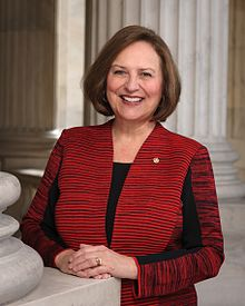 Deb_Fischer__official_portrait__115th_Congress.jpg