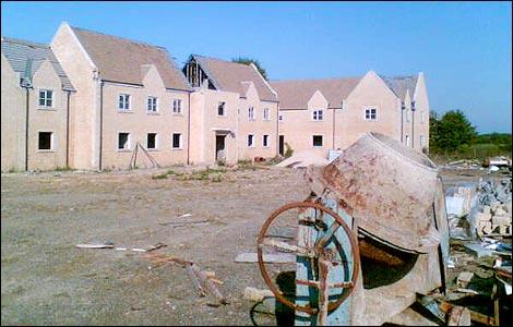 abandoned_buildingsite.jpg