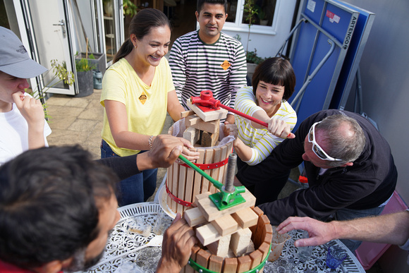 Siobhan Benita, Sue Wixley and others visit Abundance Southfields project