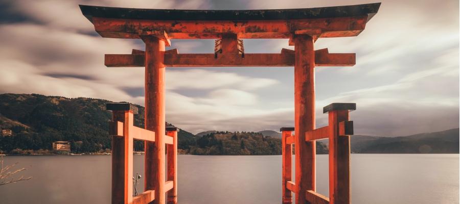 key_torii_gate_japan.jpg