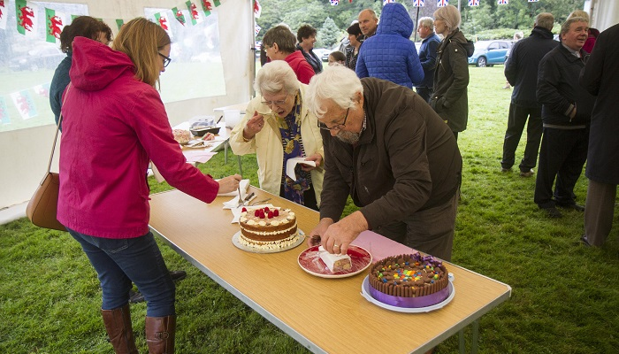 Llangenny_park_opening_and_bake_off_2.jpg