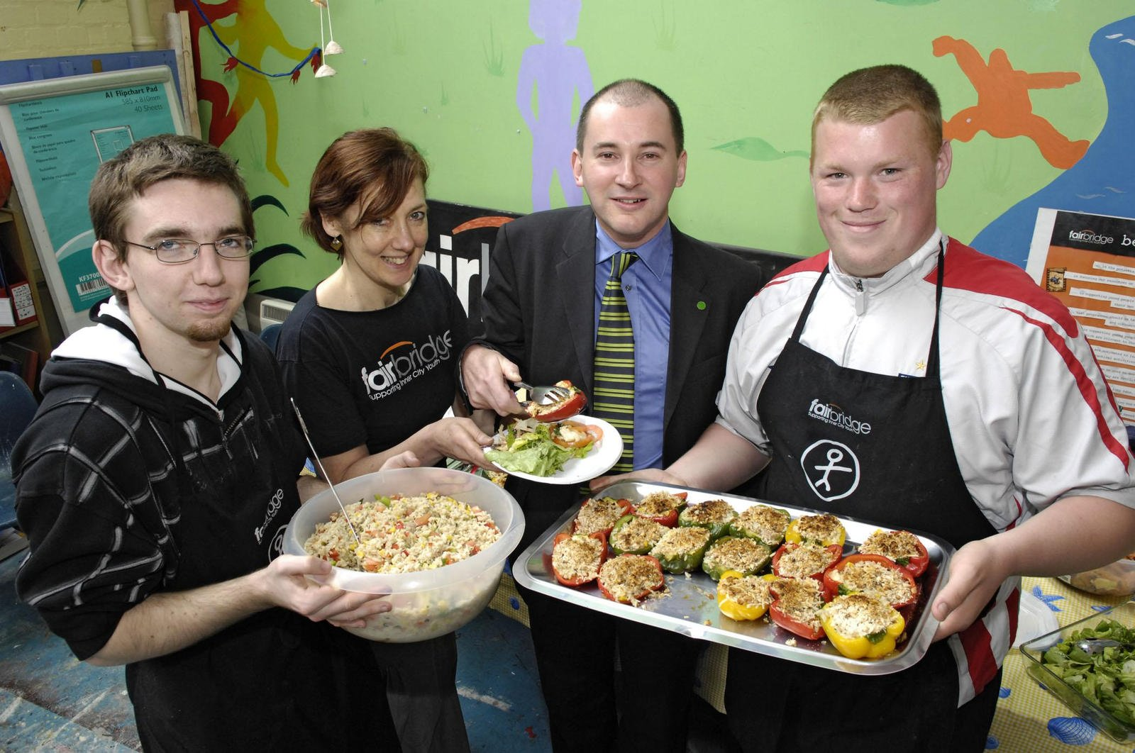 stephen-williams-mp-eating-healthily-with-young-pe.jpg