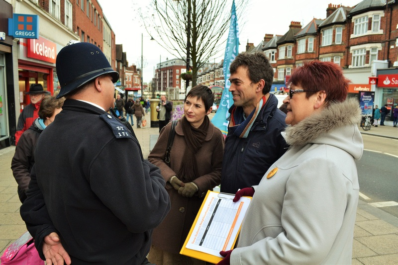 Caroline_Pidgeon_with_Police.jpg