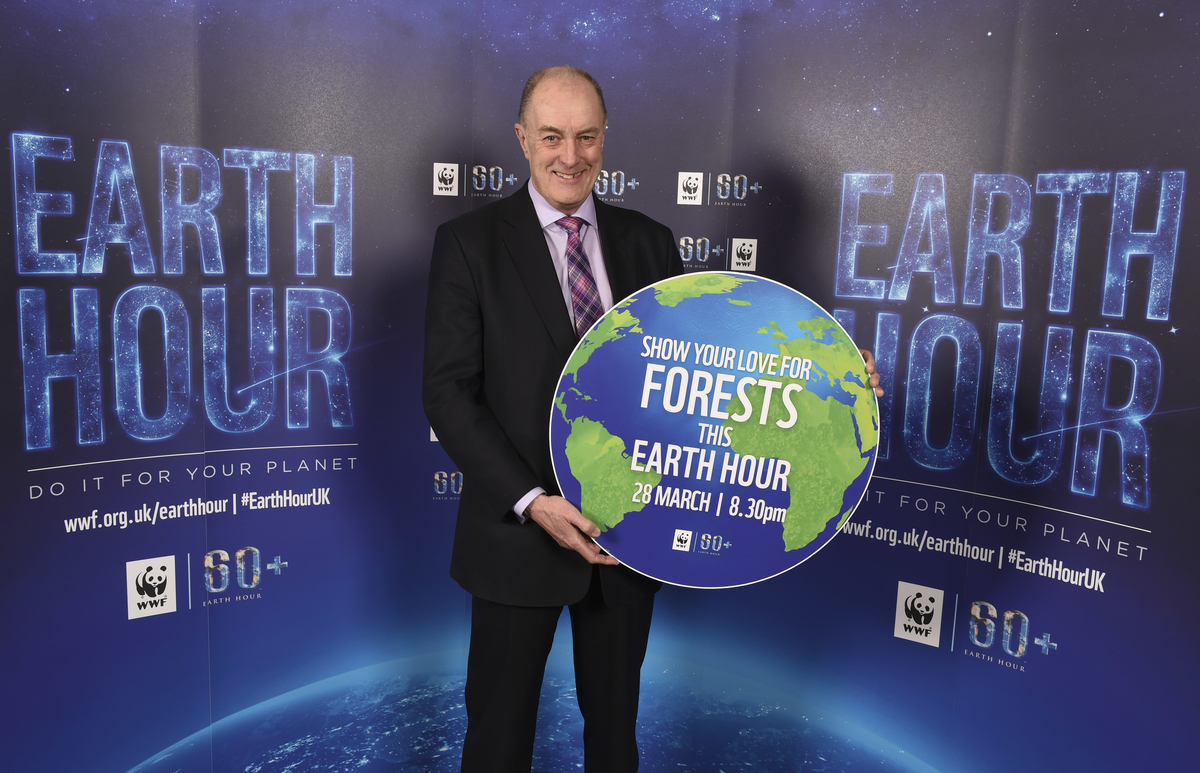 Gordon Supporting Earth Hour
