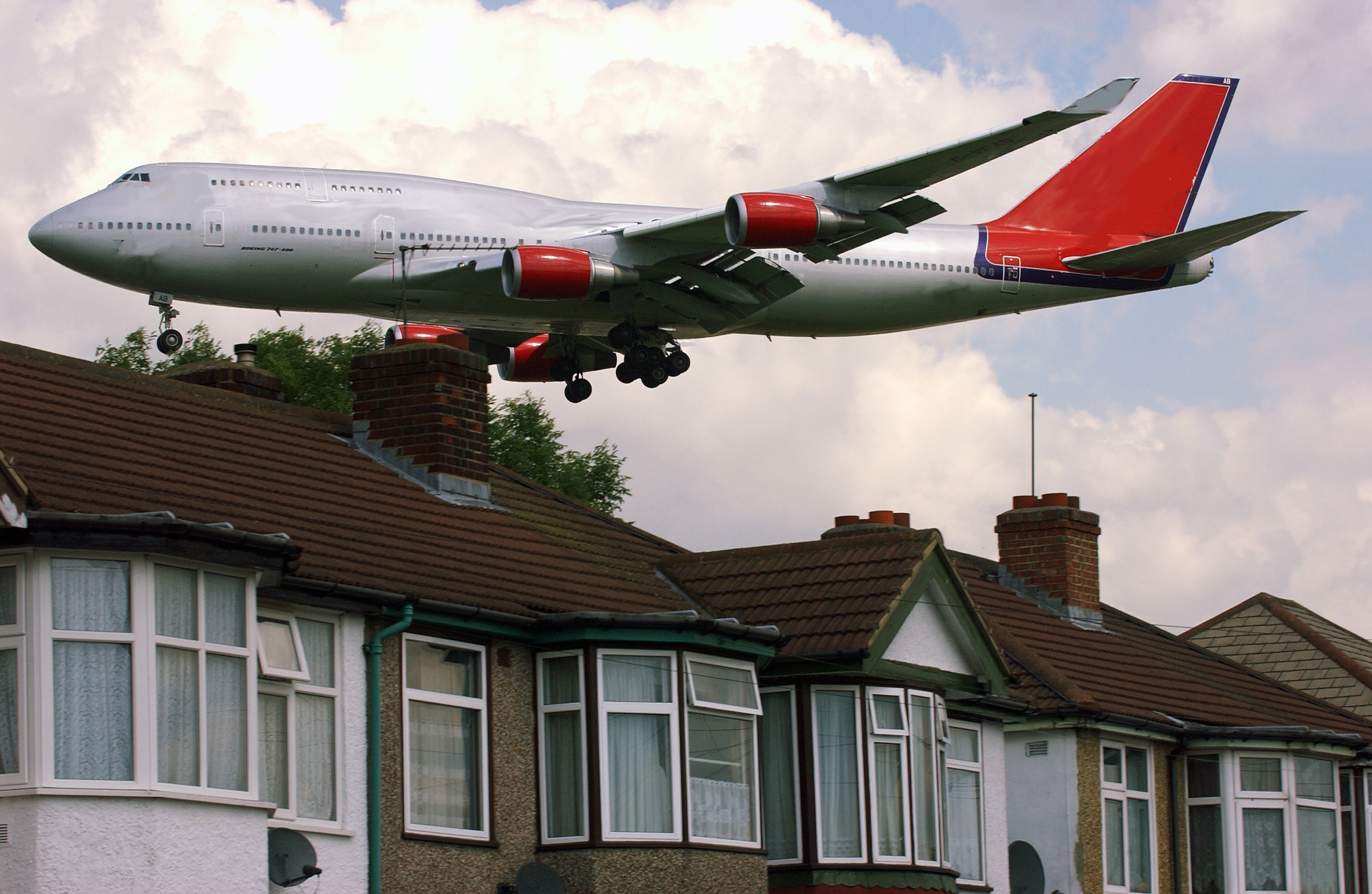 Tory government defeated over Heathrow