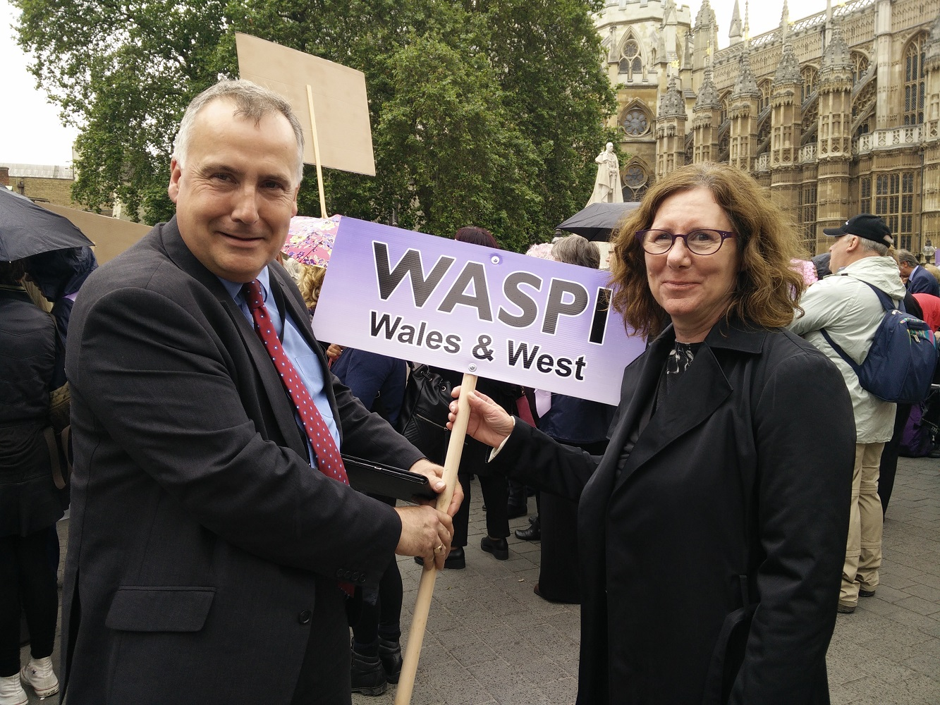 key_Mark_with_Lillian_Stevenson_at_WASPI_rally_290616_s.jpg