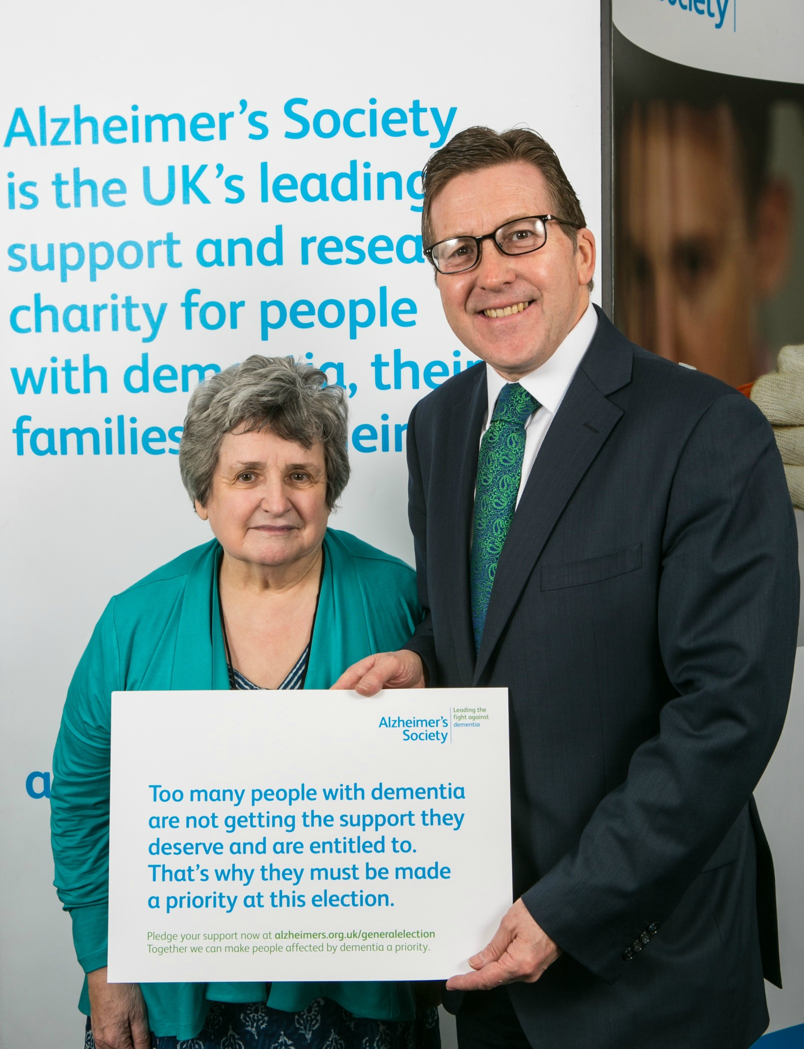 key_Mark_Hunter_MP_meets_Shelagh_Alzheimer_s_Society.jpg