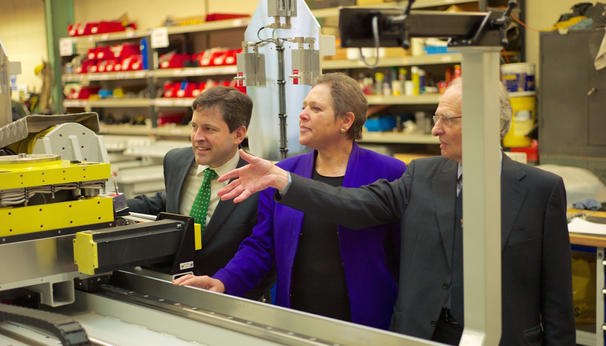 Government Minister joins Duncan in Bradford on Avon to award new funding to local business