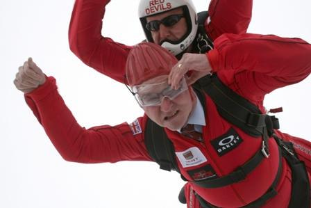 Bob Russell skydiving