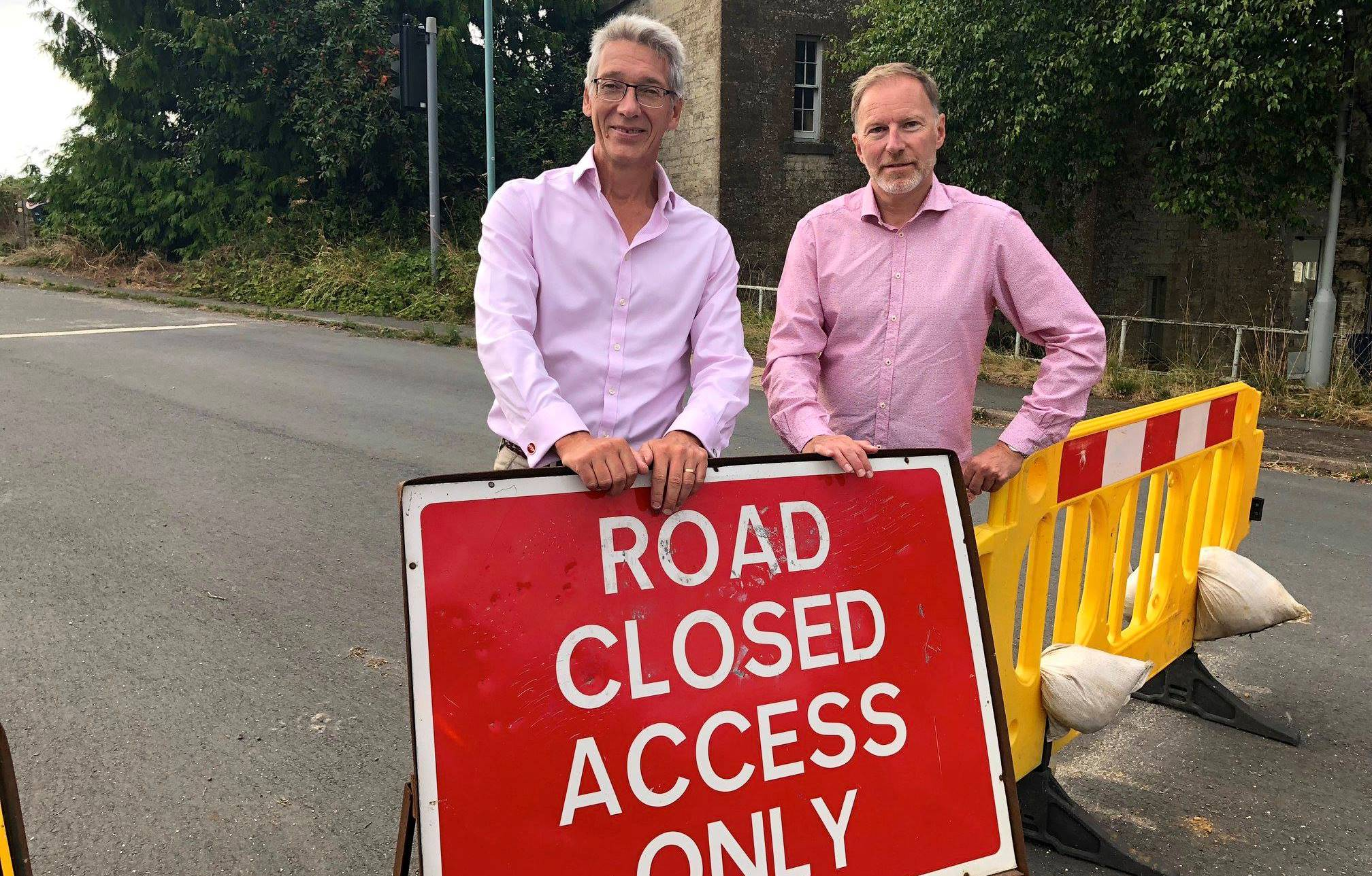 Work to reopen Old A40 starts despite crisis