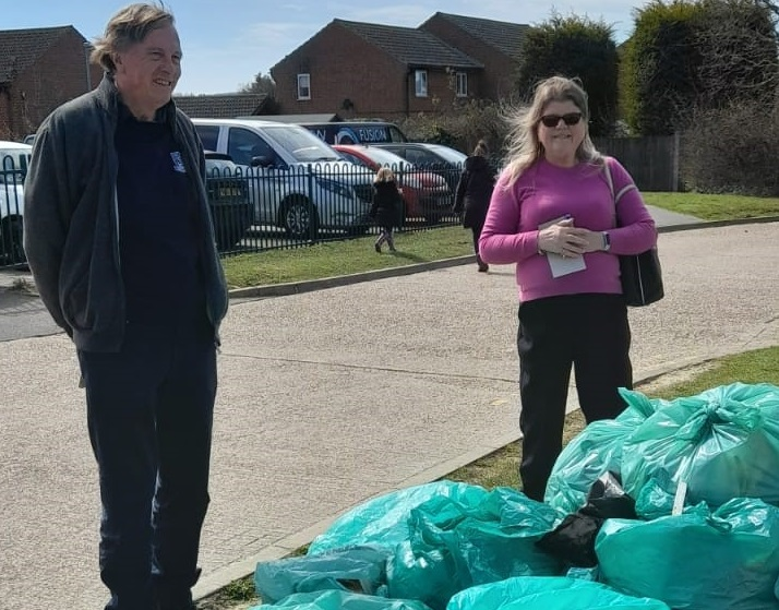 Alan and Candy Tackle Litter Eyesores, Speeding & Footpath Repairs