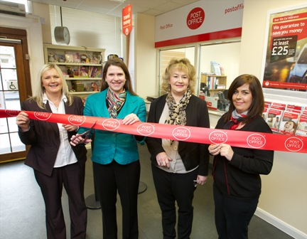 Julie_Frizzle_POL__Jo__Shirley_Gilmour_Subpostmaster_and_Pam_Muir_shop_manager.jpweb_g.jpg