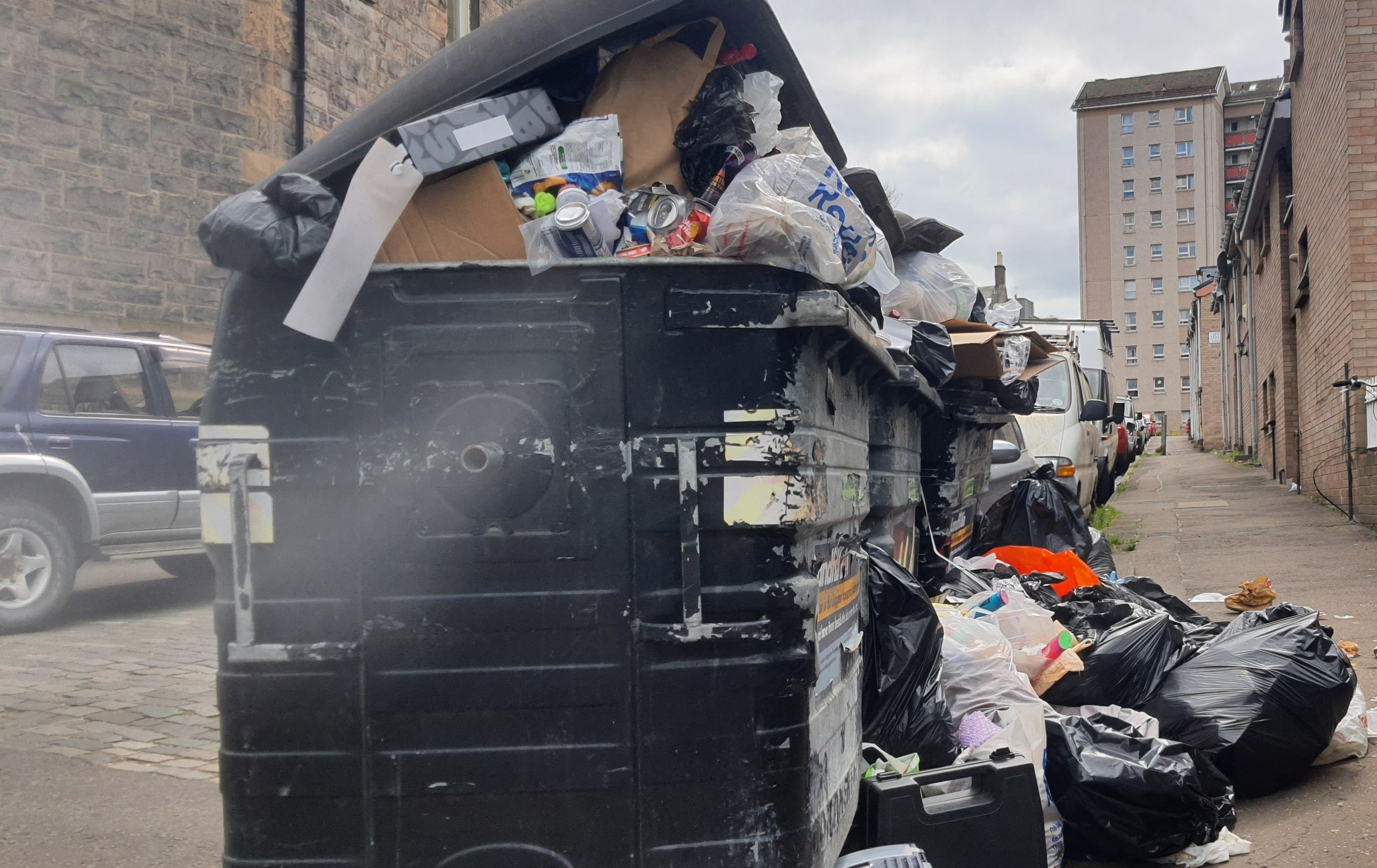 New figures show Edinburgh streets 'dirty and getting dirtier'
