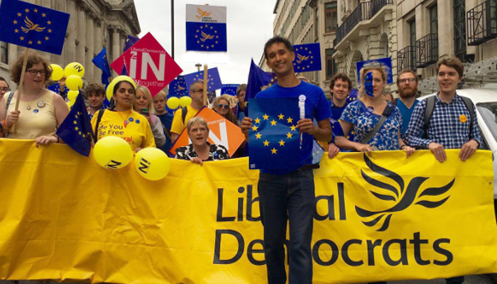 Lib Dems march against Brexit