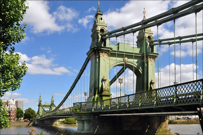 Image of Hammersmith Bridge