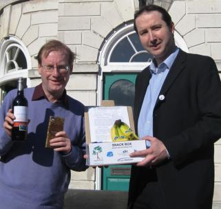 bob_steed-bart_rickets-kingston_marketplace-kingston-lib_dems-liberal-democrats-fairtrade.jpg
