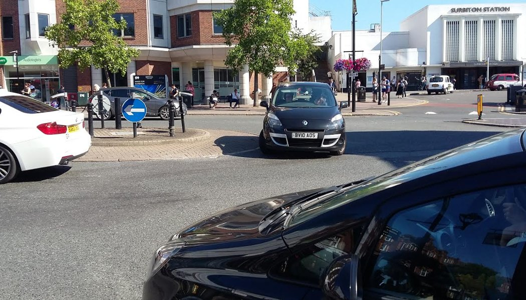 key_surbiton-way-mini-holland-go-cycline-hilary-gander.jpg