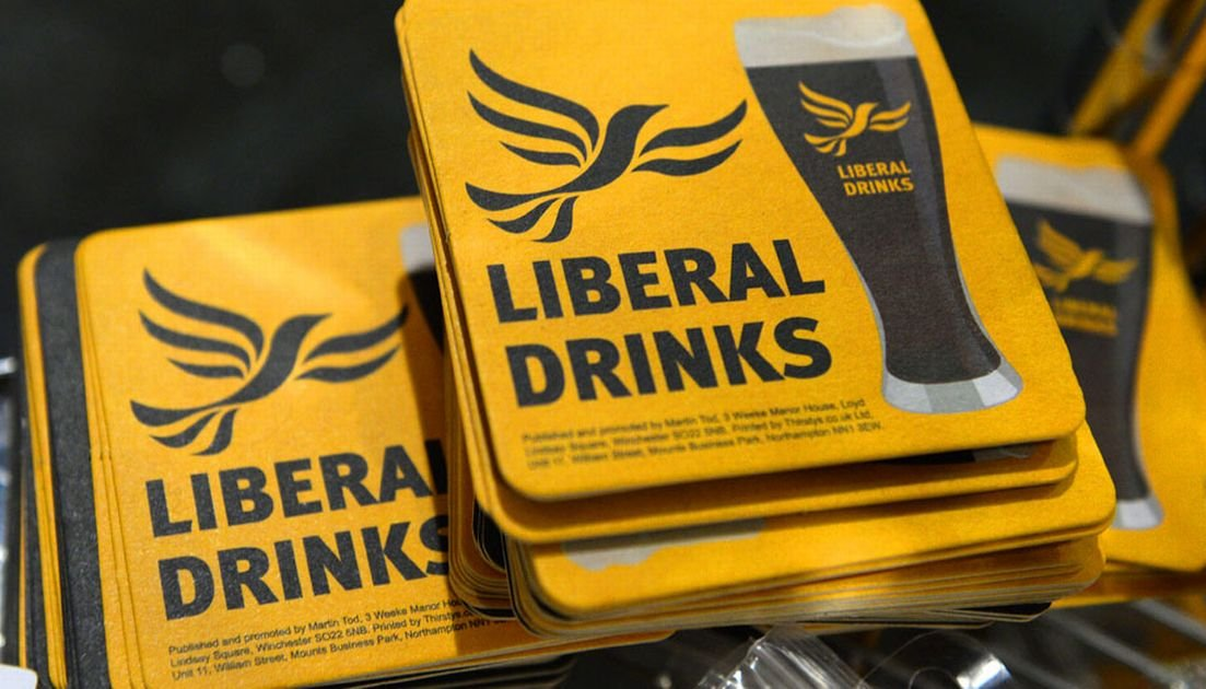 key_lib-dem-pint-liberal-drink-drinks-kingston-upon-thames-wych-elm.jpg