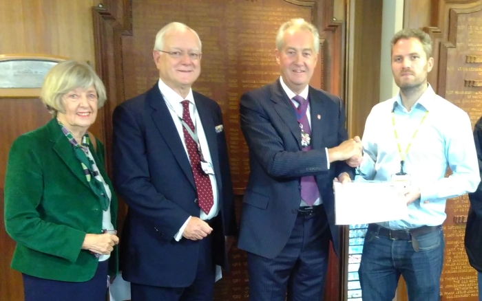 James Gardiner presents Ringmer Library petition to County Council leader