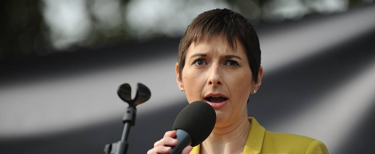 Mayor admits to deteriorating 999 response times across the whole of London – Caroline Pidgeon