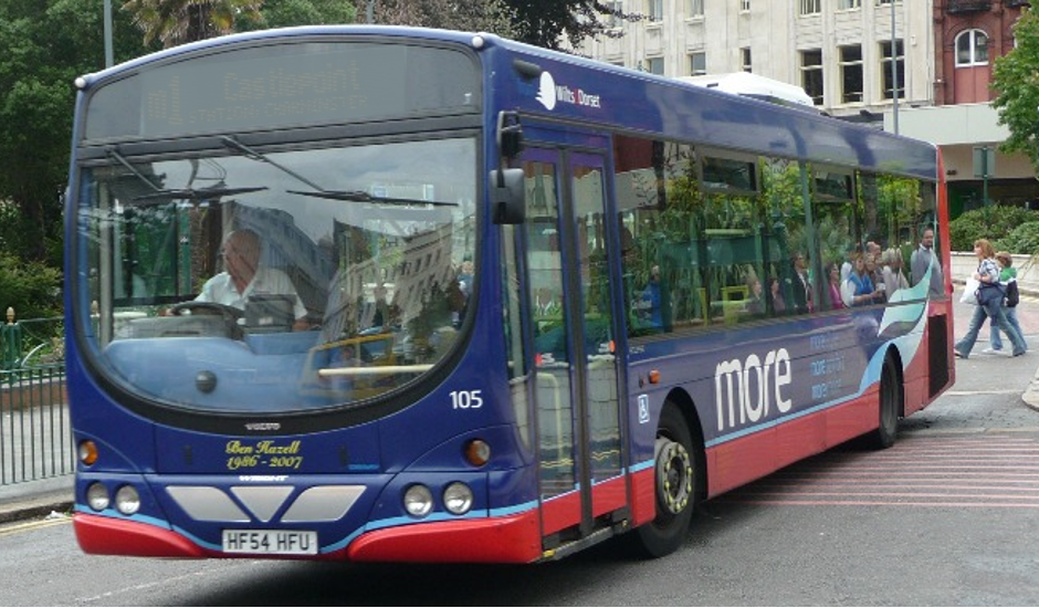 Cllr Susan Jefferies launches petition to save No. 3 bus