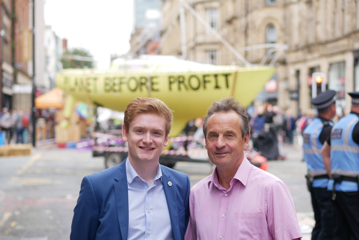 Chris Davies MEP joins Extinction Rebellion Protests in Manchester