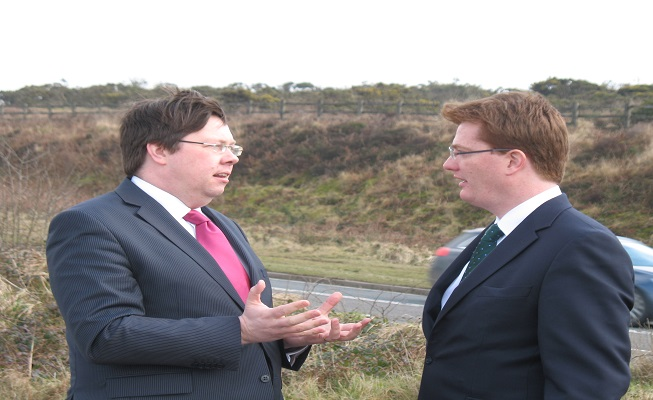 key_Dan_Rogerson___Danny_Alexander_discuss_the_upgrade_to_the_A30_at_Temple_2013resized.jpg