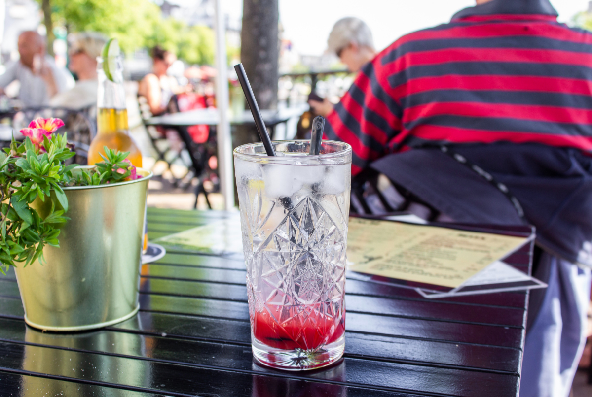 Council to allow extra outdoor seating when cafes and pubs begin to open
