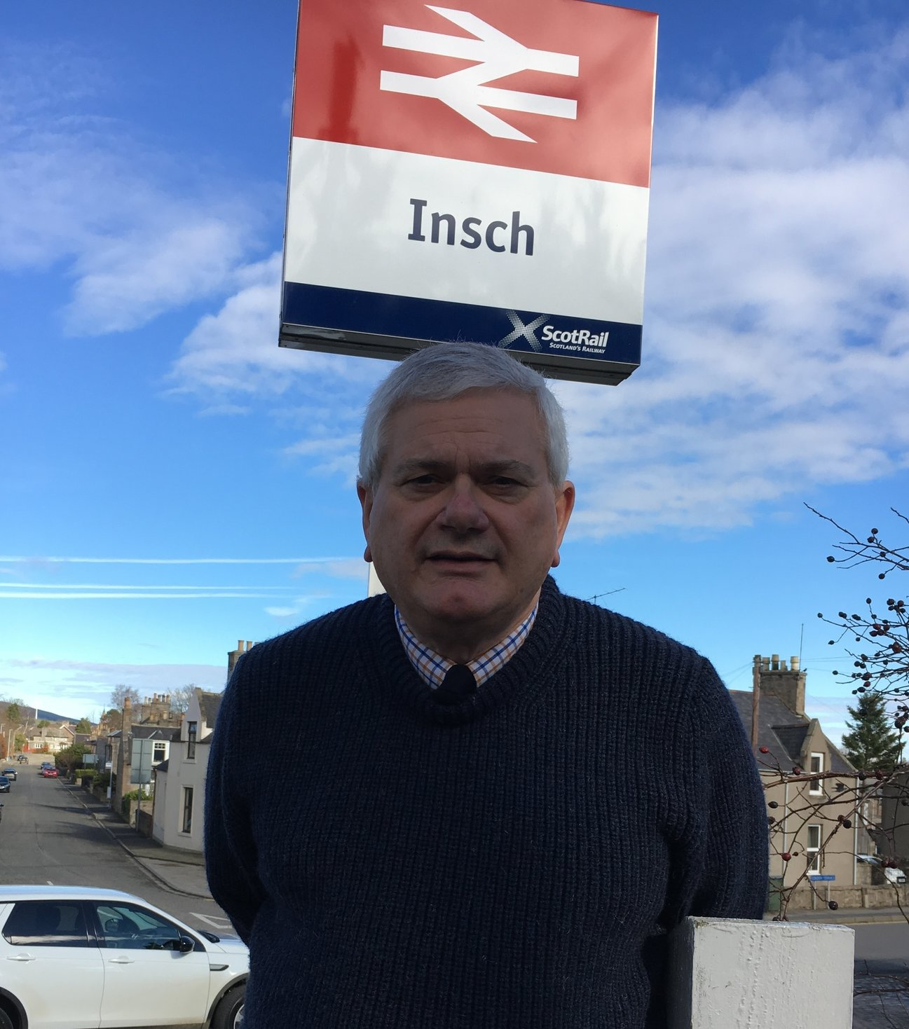 key_mike_at_insch_station.jpg
