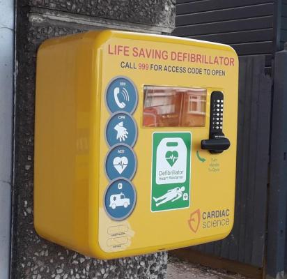 Defibrillator_close_up.png
