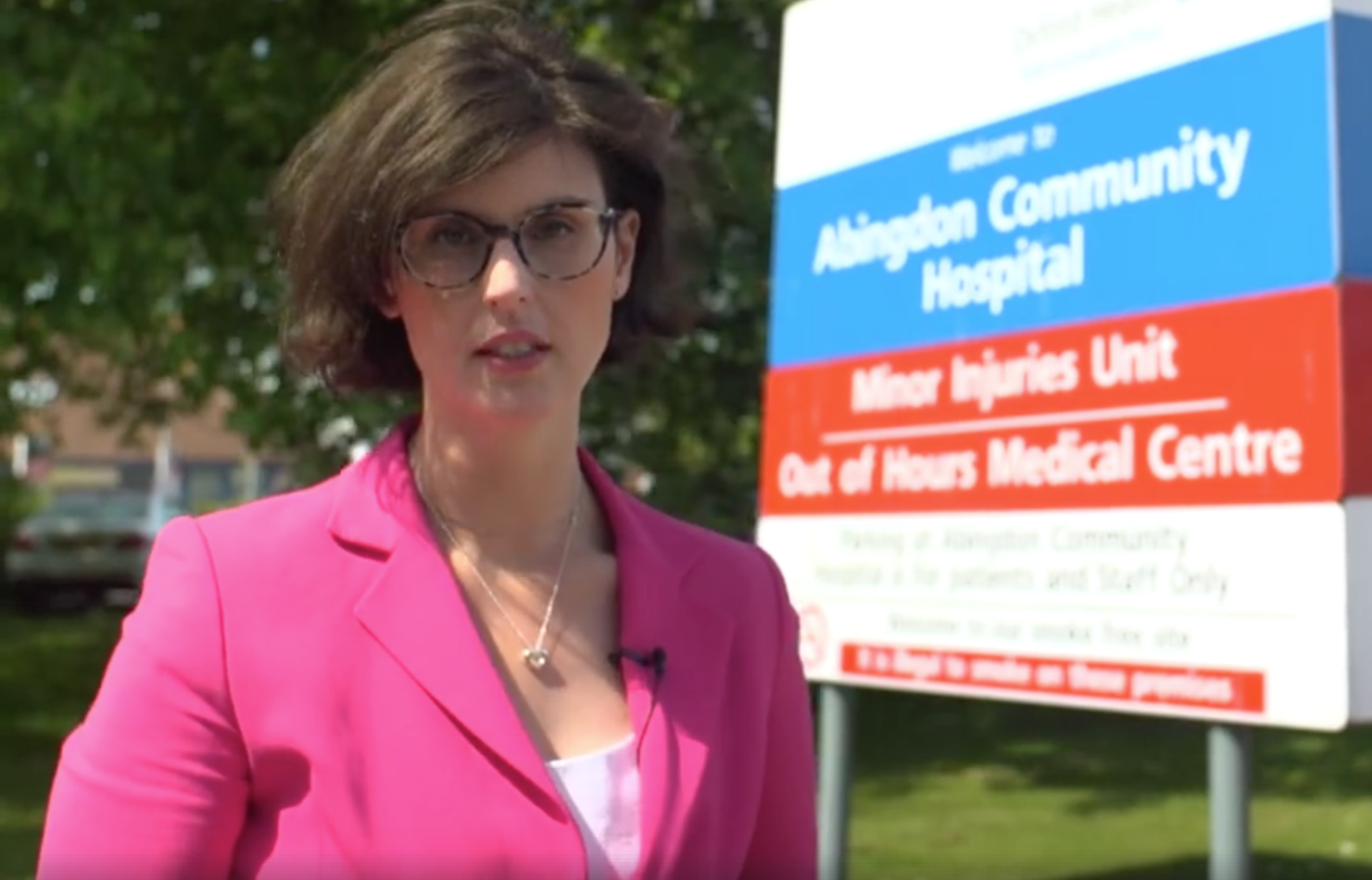 Layla_Moran_at_Abingdon_Hospital.png