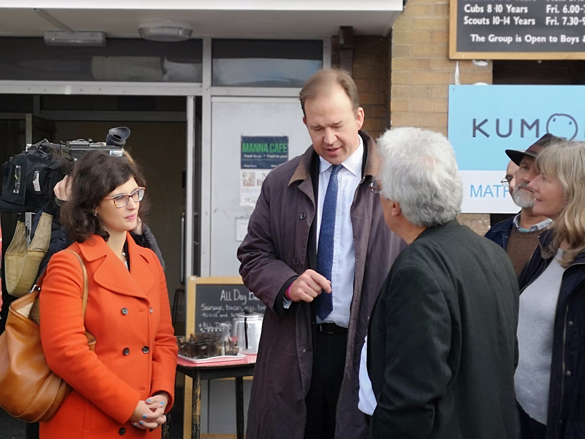 Layla_Moran_MP_and_Jesse_Norman_speak_to_residents_in_Botley_about_the_Expressway.jpeg