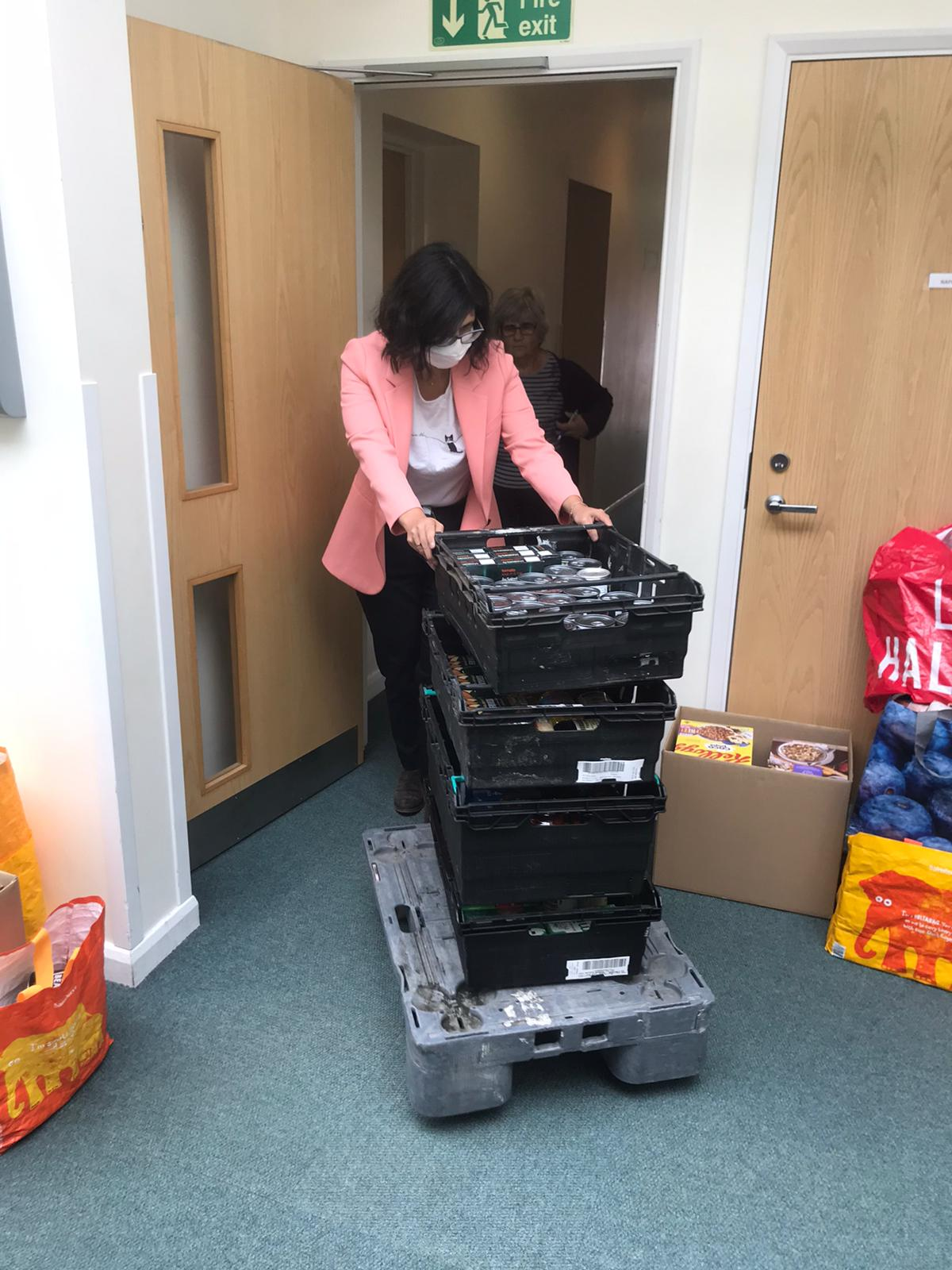 key_Layla Moran_Kidlington Food bank_copyright Layla Moran MP