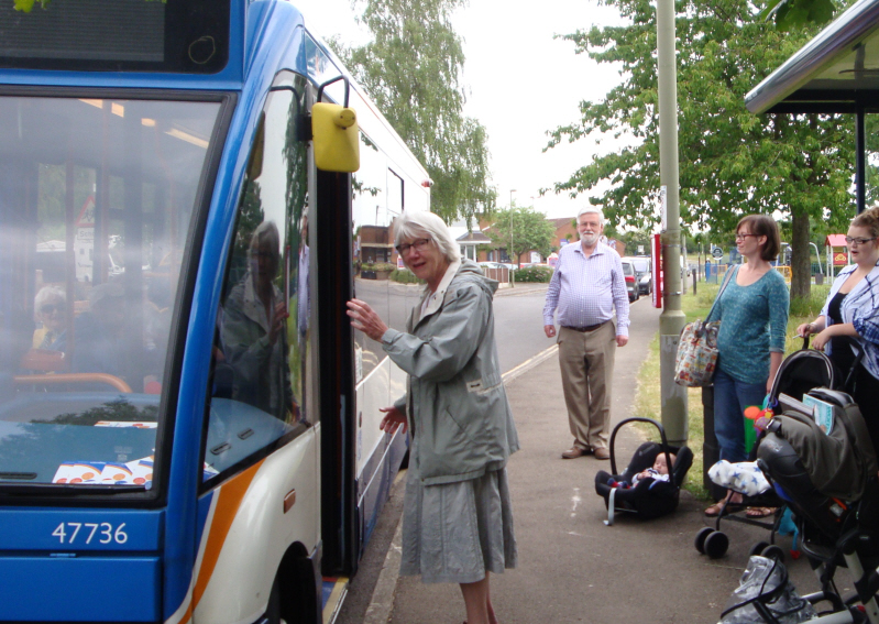 Cllr Jean Fooks at the No 17 Bus