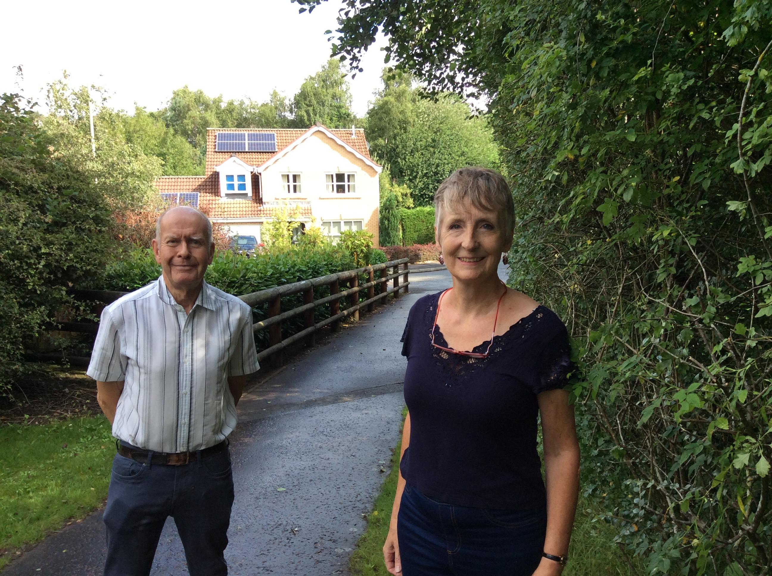 Cllrs Willie Wilson and Liz Barrett, Innerleithen Way.JPG