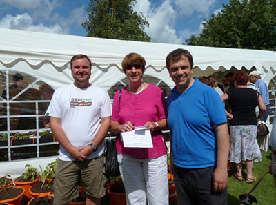 Councillor Lynne Stagg and Darren Sanders, along with former Councillor Darron Phillips support Baffins community events such as the Moneyfields Show