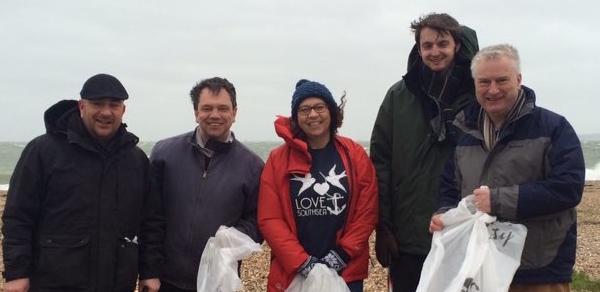 Lib Dems Clean Up Beach