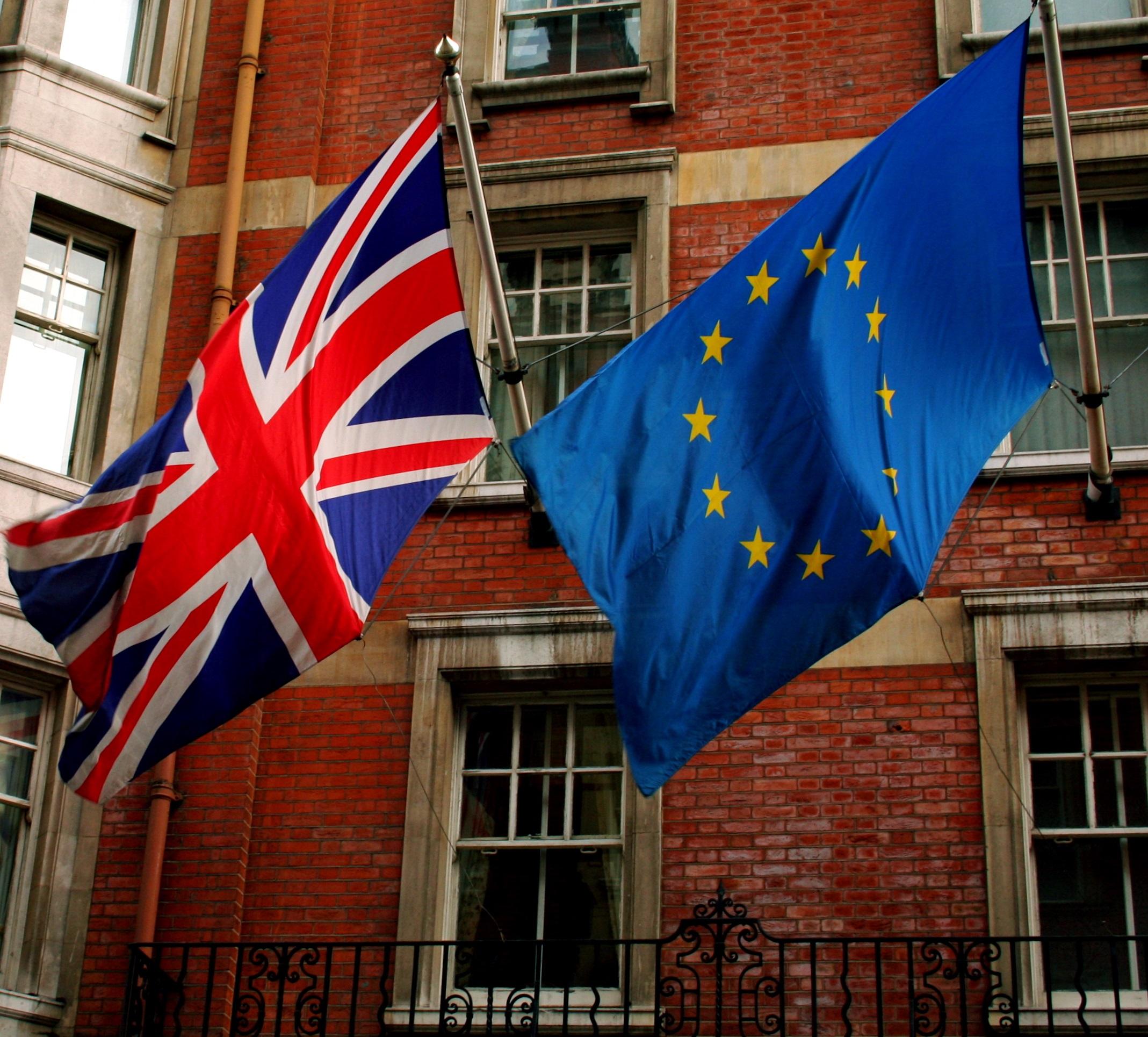 key_Union_Jack_and_the_european_flag.jpg