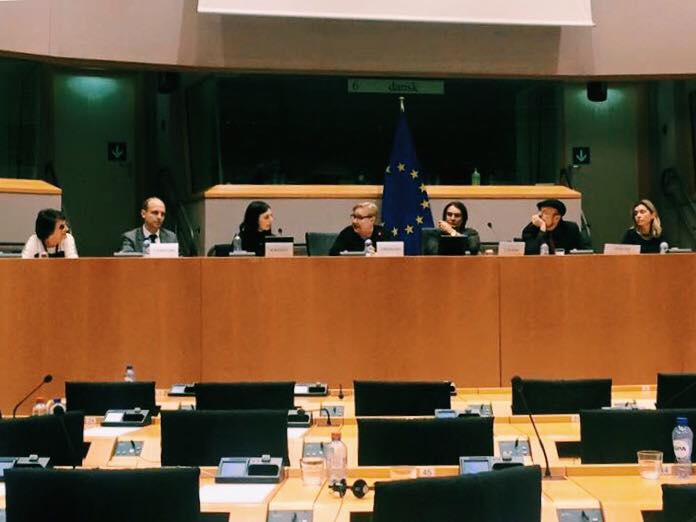 key_Beth_Jennings_at_European_Parliament.jpg