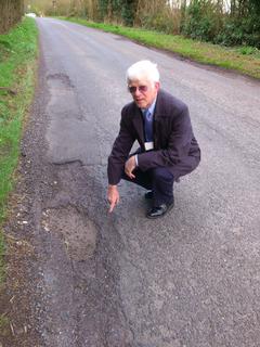 content_pothole.png