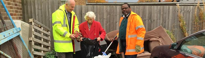 Lib Dems Go Litter Picking