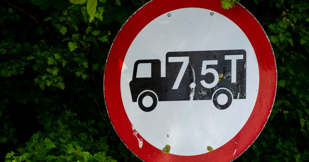 Lib Dem motion to tackle HGV traffic on rural roads carried at district council