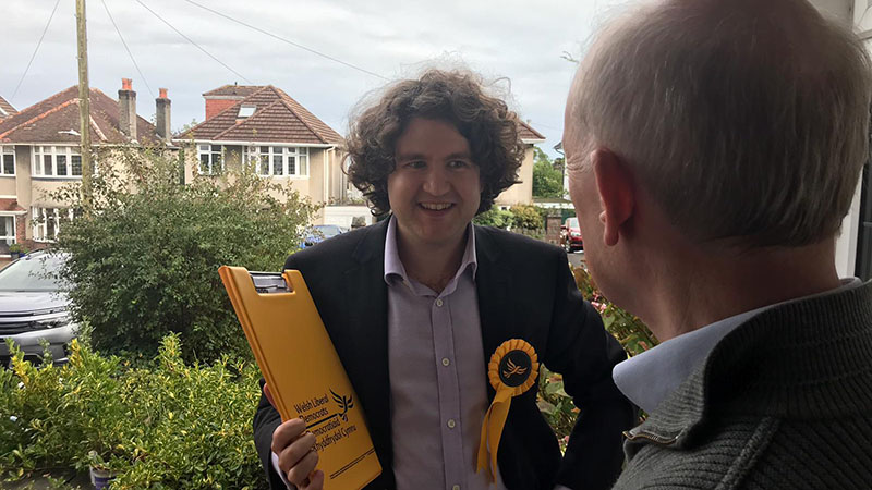 Michael O'Carroll speaking to a voter on the Doorstep